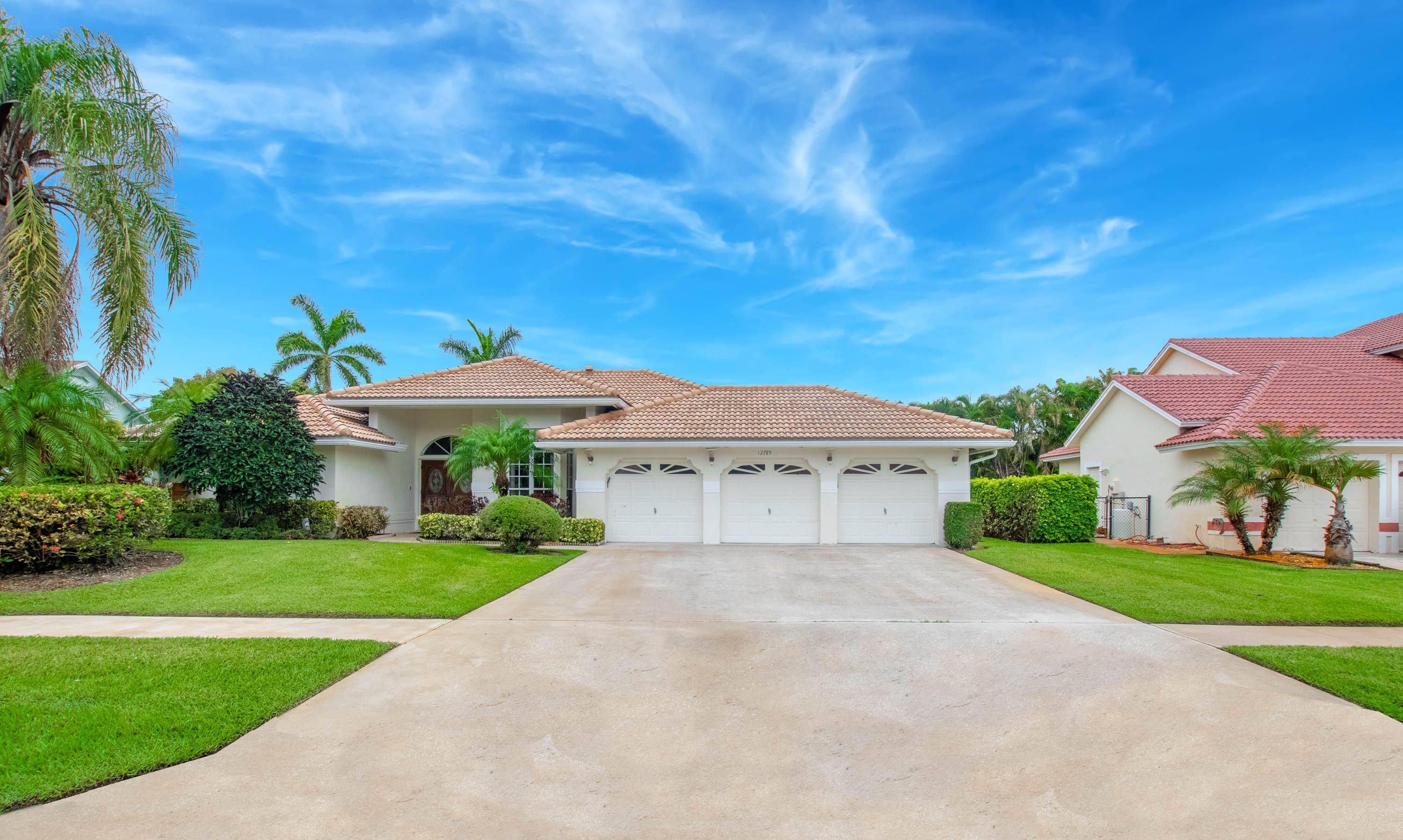 12785 Kingsway Road, Wellington, Florida 33414, 4 Bedrooms Bedrooms, ,2.1 BathroomsBathrooms,Single Family,For Sale,Margate Place,Kingsway,RX-10435229