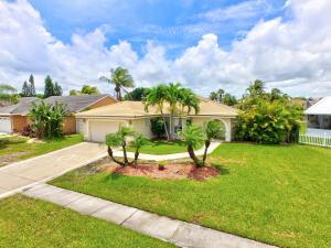 5052 Rosen Boulevard, Boynton Beach, FL 33472