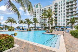 300 S Australian Avenue, 820, West Palm Beach, FL 33401