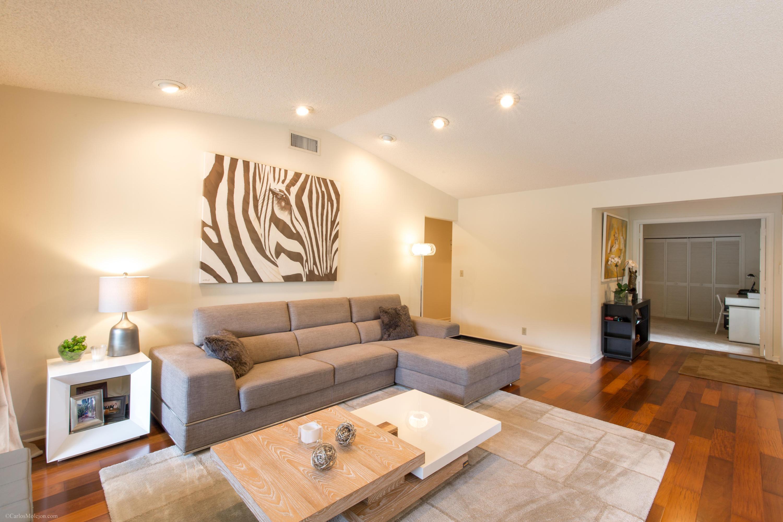 2418 Vista Del Prado Drive, Wellington, Florida 33414, 3 Bedrooms Bedrooms, ,2 BathroomsBathrooms,Villa,For Sale,PALM BEACH POLO,Vista Del Prado,RX-10436042