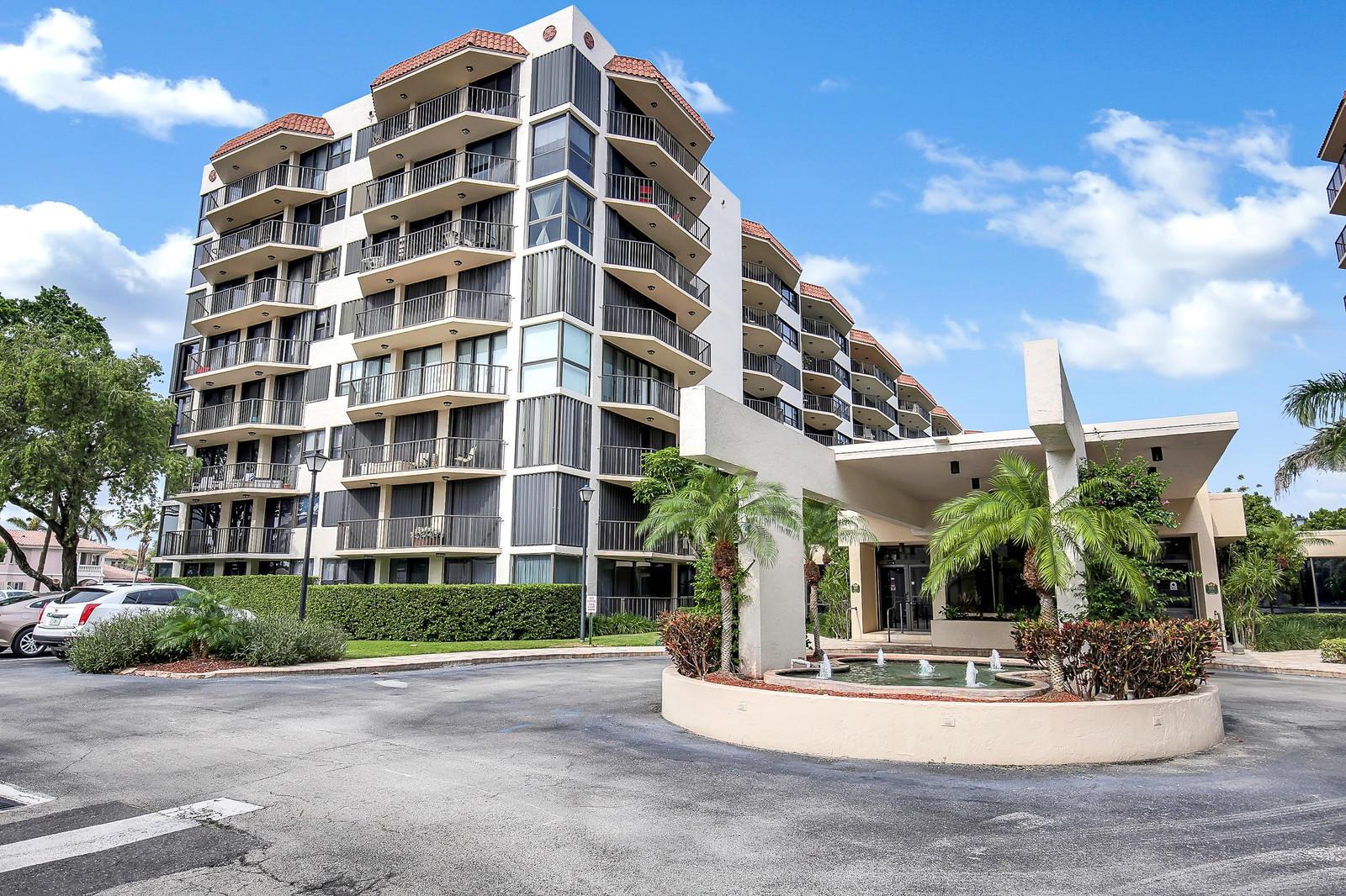 899 Jeffery Street, Boca Raton, Florida 33487, 2 Bedrooms Bedrooms, ,2 BathroomsBathrooms,Condo/Coop,For Sale,Porta Bella Yacht and Tennis,Jeffery,6,RX-10438077
