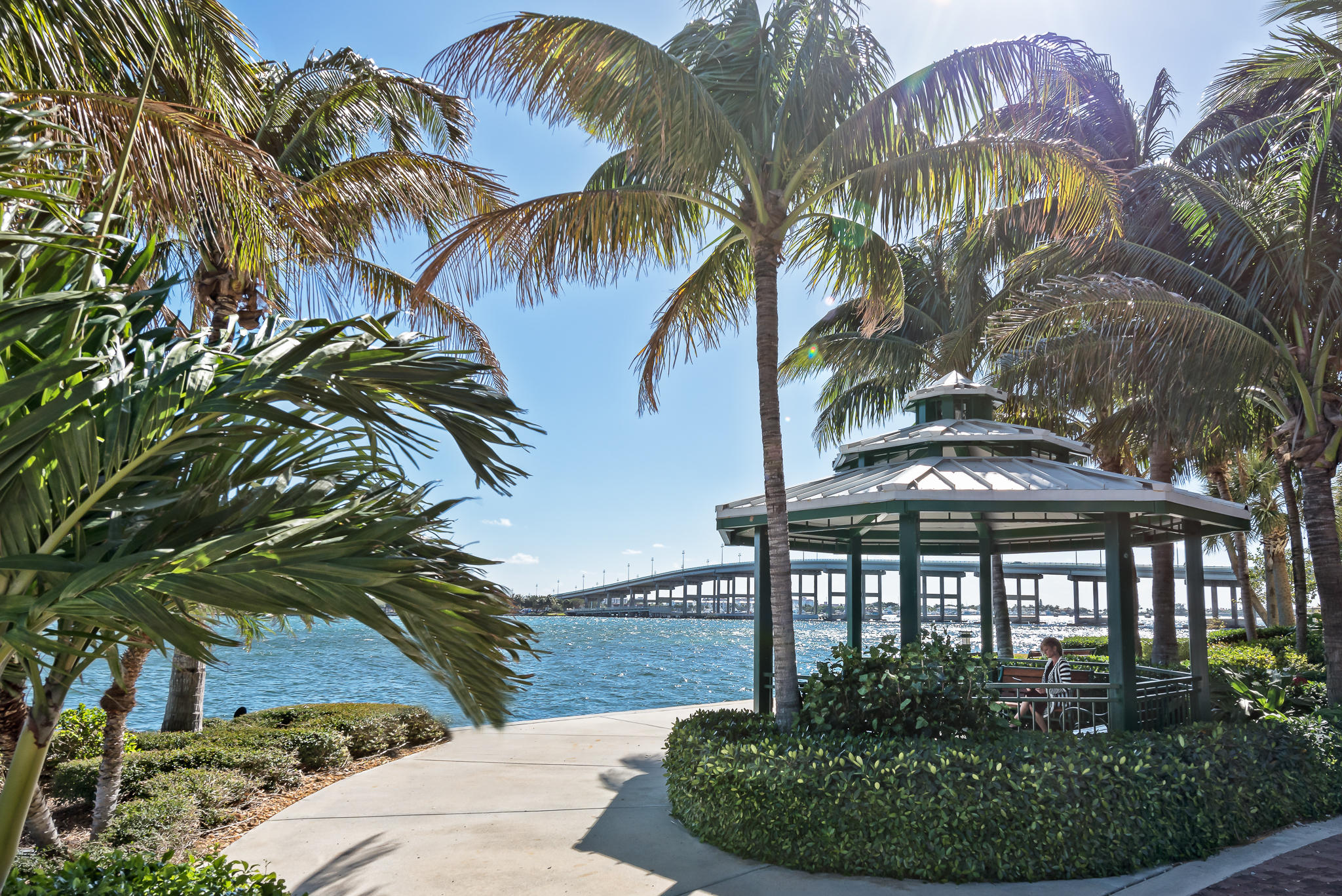 Image 11 For 2650 Lake Shore Drive 801