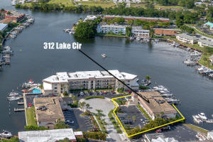 312 Lake Circle, 207, North Palm Beach, FL 33408