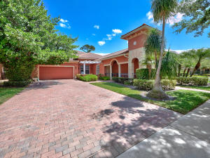 153 Via Isabela, Jupiter, FL 33458