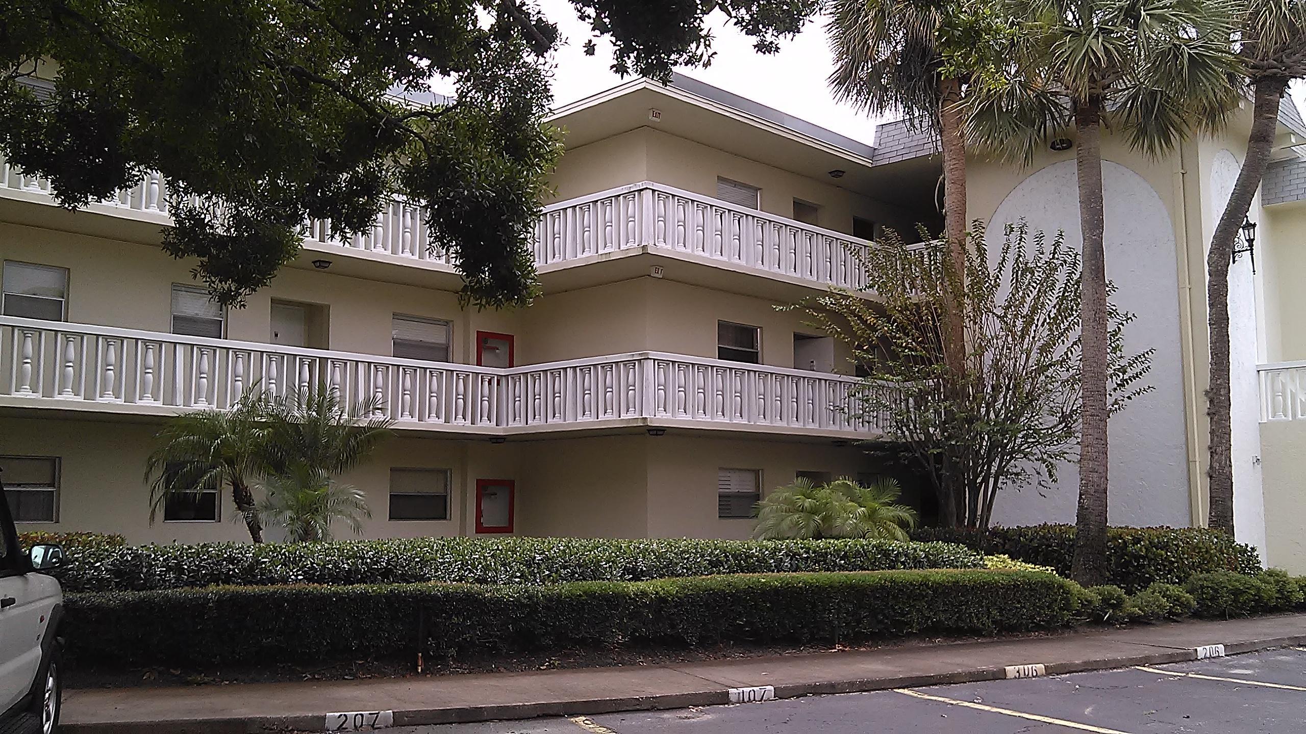 1100 Ponce De Leon Circle, Vero Beach, Florida 32960, 2 Bedrooms Bedrooms, ,2 BathroomsBathrooms,Condo/Coop,For Sale,Ponce De Leon,3,RX-10440521