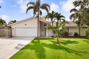4384 Nicole Circle, Tequesta, FL 33469