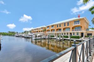 635 Casa Loma Blvd, Boynton Beach, FL 33435