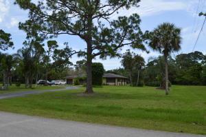8895 N Bates Road, Palm Beach Gardens, FL 33418