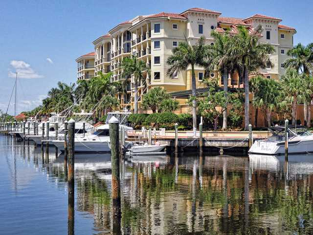The Pointe At Jupiter Yacht Club