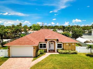 6600 Mango Circle, Lake Clarke Shores, FL 33406