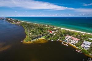 3050 S Ocean Boulevard, Manalapan, FL 33462