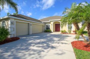 438 NW Sunflower Place, Jensen Beach, FL 34957
