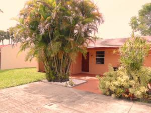 107 Lake Anne Drive, West Palm Beach, FL 33411
