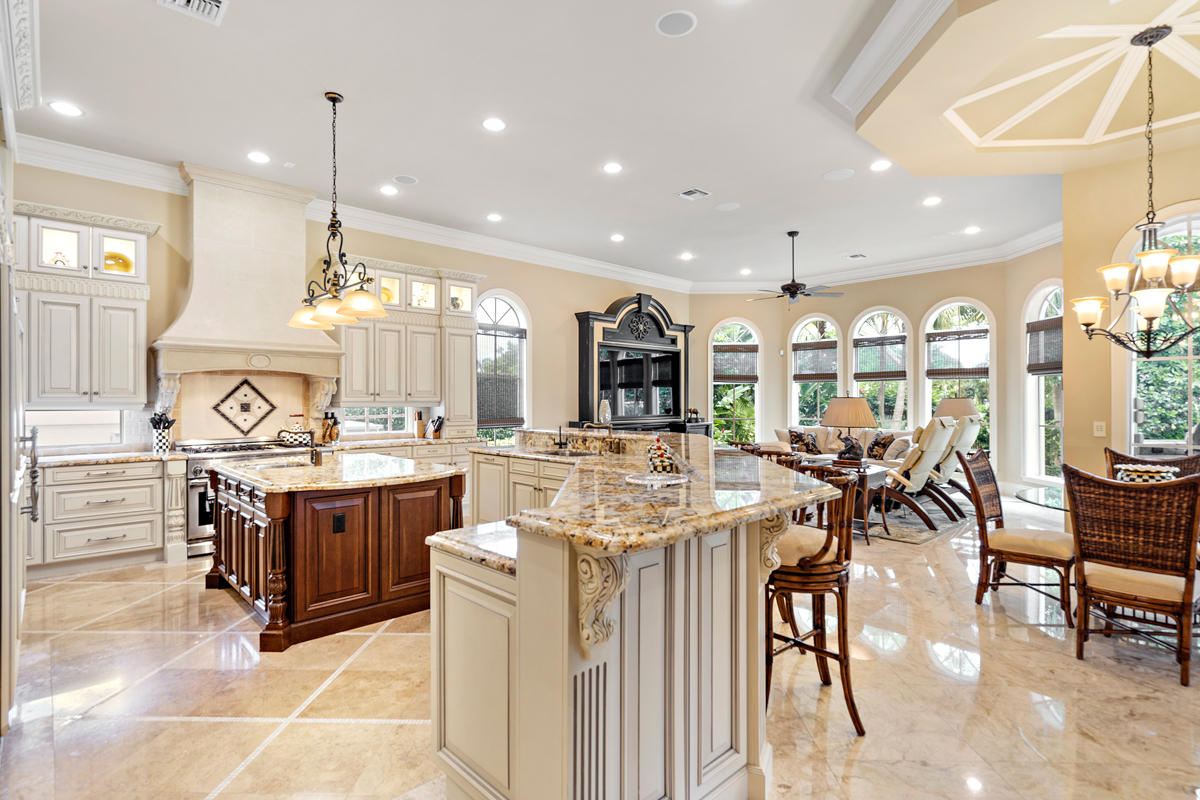 Merveilleux A Two Story Golf Course Estate Built By SRD Building Corp. This Home Is  Appointed On The 12th And 13th Fairways In The Beautiful Community Of Royal  Palm ...
