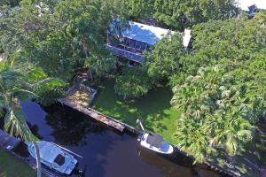 9353 SE Cove Point Street, Tequesta, FL 33469