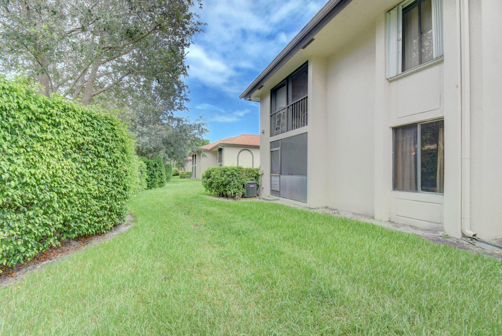 351 Club Circle, Boca Raton, Florida 33487, 2 Bedrooms Bedrooms, ,2 BathroomsBathrooms,Condo/Coop,For Sale,Club,1,RX-10444562
