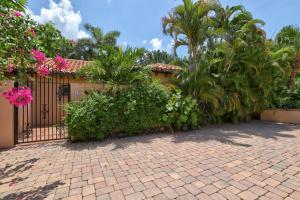 12 Little Pond Road, Manalapan, FL 33462