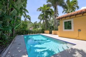 12 Little Pond Road, Manalapan, FL 33462