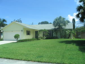 380 Beacon Street, Tequesta, FL 33469