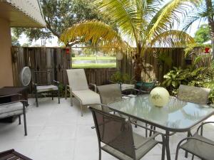 6626 66th Way, West Palm Beach, FL 33409