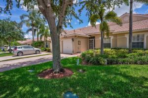 9404 Swansea Lane, West Palm Beach, FL 33411