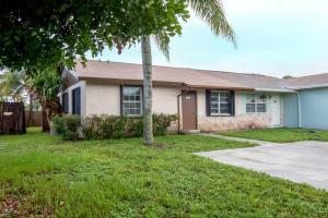 4784 Arthur Street, Palm Beach Gardens, FL 33418