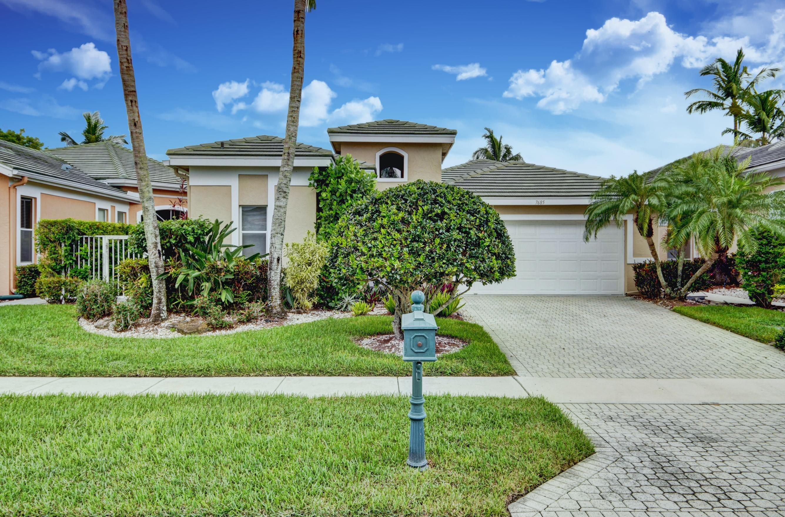 7685 Rockford Road, Boynton Beach, Florida 33472, 3 Bedrooms Bedrooms, ,3 BathroomsBathrooms,Single Family,For Sale,Aberdeen/Carrington Lakes,Rockford,1,RX-10449109