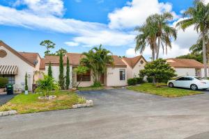 11249 Curry Drive, Palm Beach Gardens, FL 33418