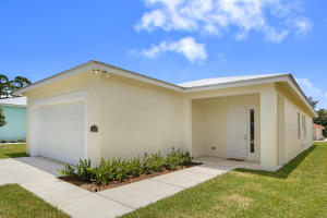 6678 2nd Street, Jupiter, FL 33458