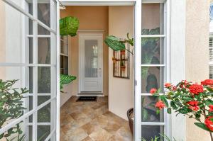 522 Rhine Road, Palm Beach Gardens, FL 33410