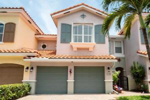 104 Las Brisas Circle, Hypoluxo, FL 33462