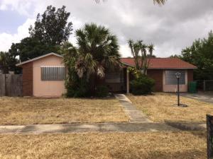 690 W 37th Street, Riviera Beach, FL 33404
