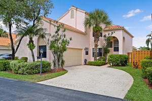 2638 La Lique Circle, Palm Beach Gardens, FL 33410