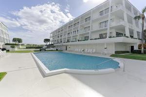 2275 S Ocean Boulevard, 105n, Palm Beach, FL 33480