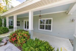 8389 SE Woodcrest Place, Hobe Sound, FL 33455