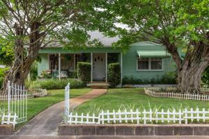 1001 Avon Road, West Palm Beach, FL 33401