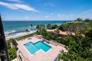 4605 S Ocean Boulevard, Highland Beach, FL 33487