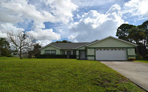 215 SW Lama Avenue, Port Saint Lucie, FL 34953