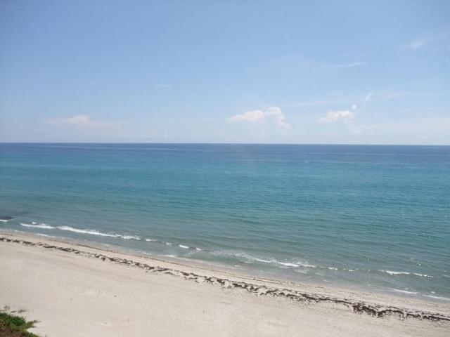 3201 Ocean Boulevard, Highland Beach, Florida 33487, 3 Bedrooms Bedrooms, ,2.1 BathroomsBathrooms,Condo/Coop,For Sale,BEACH WALK,Ocean,6,RX-10453668