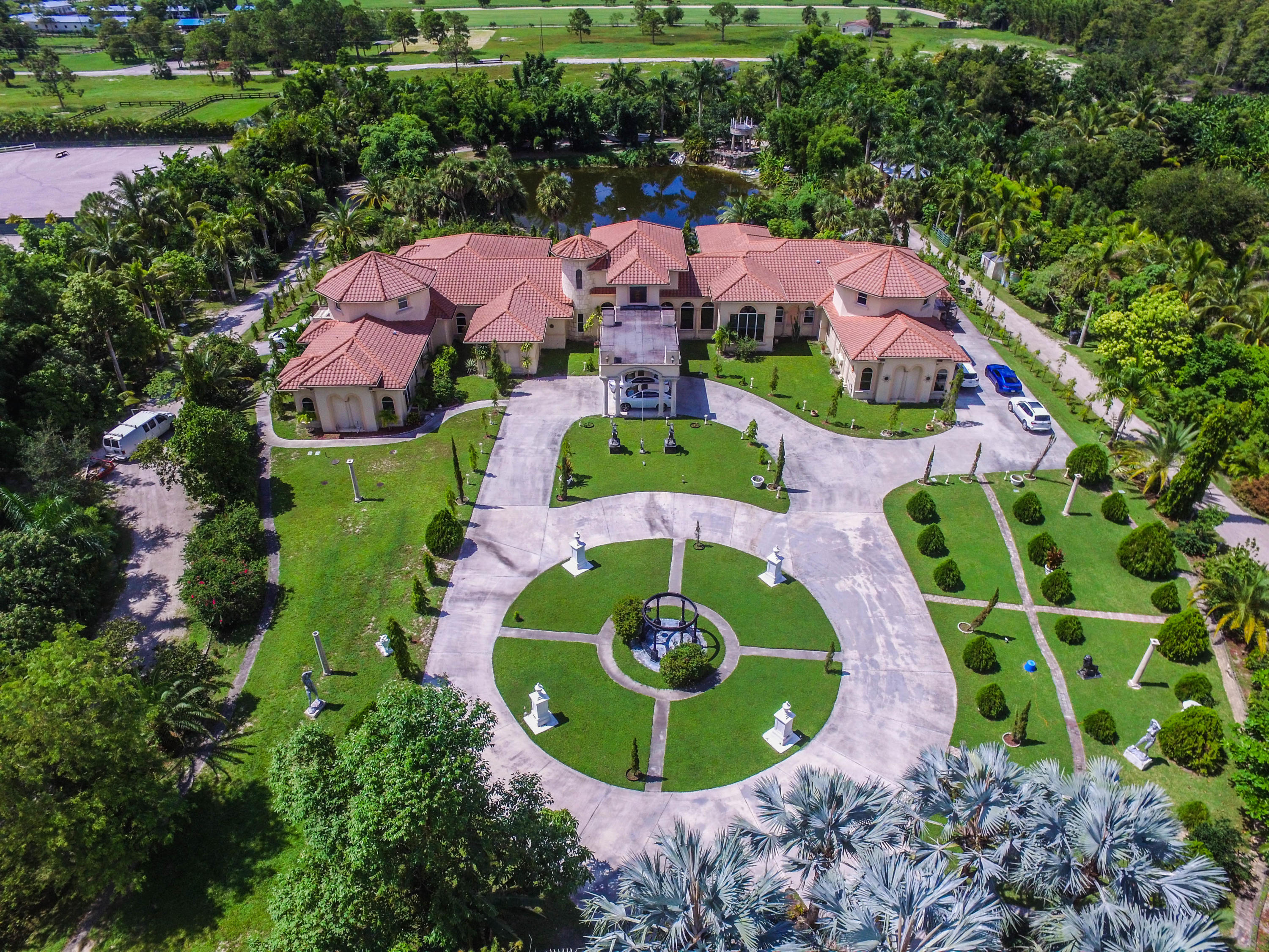 Wellington, Florida 33449, 9 Bedrooms Bedrooms, ,8 BathroomsBathrooms,Residential,For Sale,40th,RX-10454061