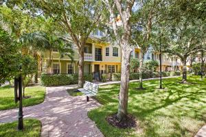 2731 Ravella Way, Palm Beach Gardens, FL 33410