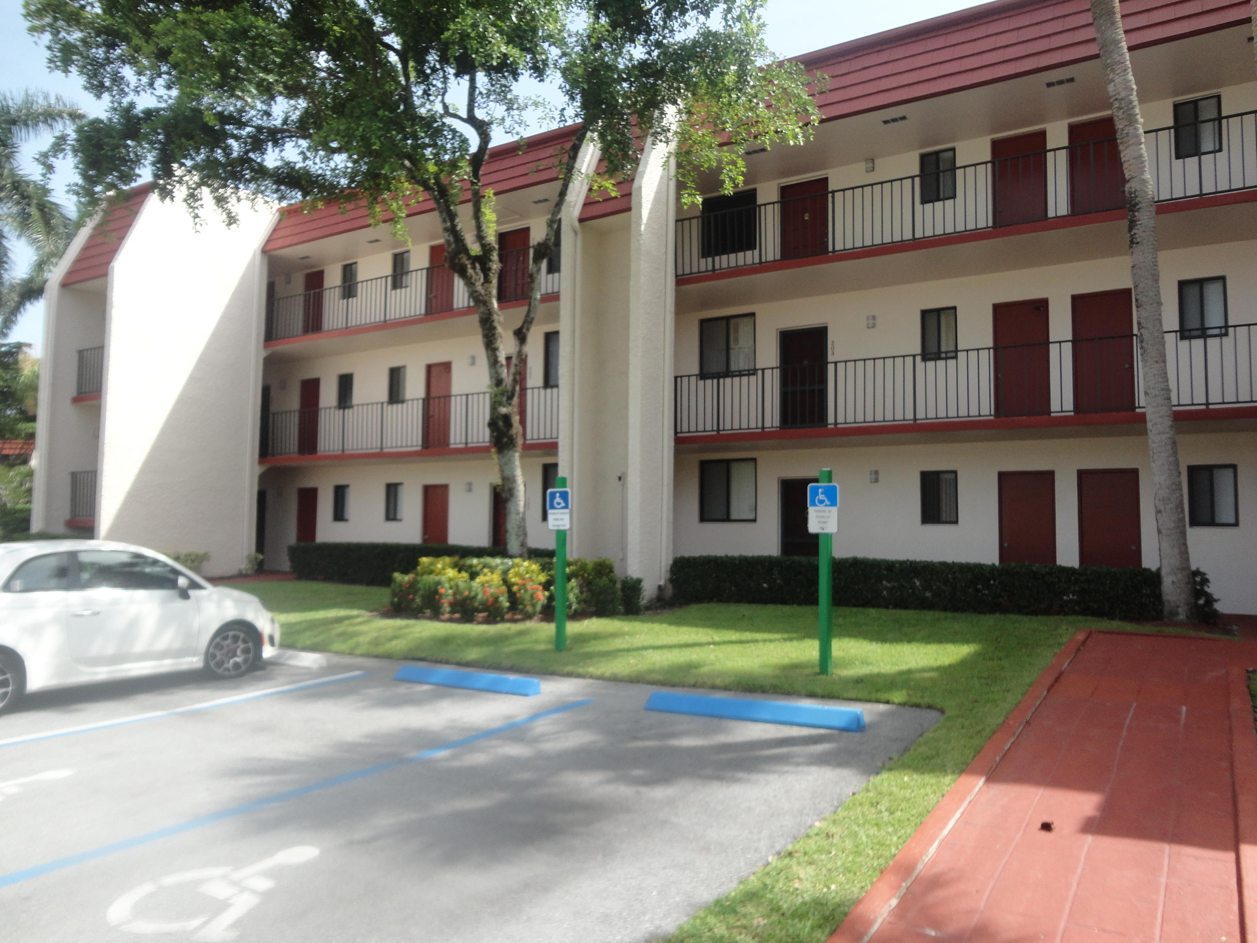 4393 Trevi Court, Lake Worth, Florida 33467, 2 Bedrooms Bedrooms, ,1.1 BathroomsBathrooms,Condo/Coop,For Rent,Trevi,3,RX-10454546