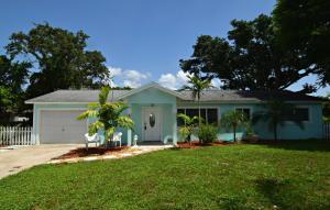 305 SE Villas Street, Stuart, FL 34994