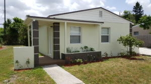1205 S 14th Court S, Lake Worth, FL 33460