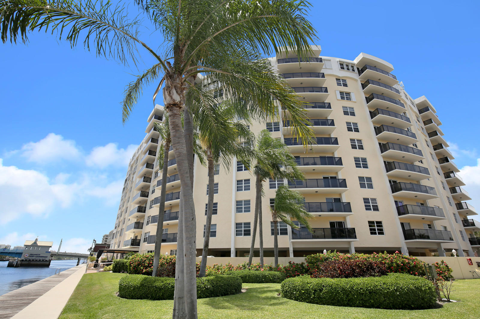 5100 Dupont Boulevard, Fort Lauderdale, Florida 33308, 2 Bedrooms Bedrooms, ,2.1 BathroomsBathrooms,Condo/Coop,For Sale,Dupont,10,RX-10454965
