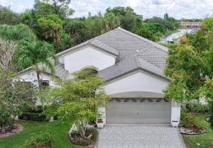 132 Private Place, West Palm Beach, FL 33413