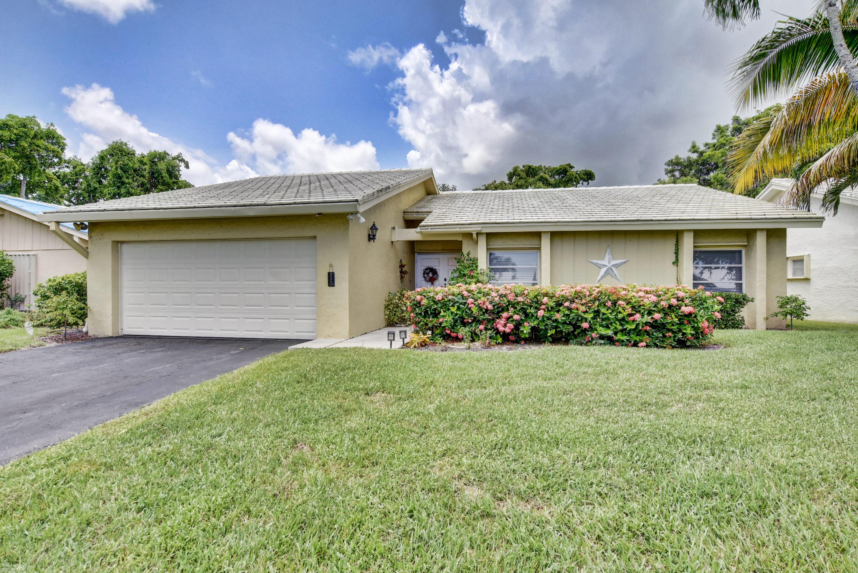 22379 Greentree Circle Boca Raton, FL 33433