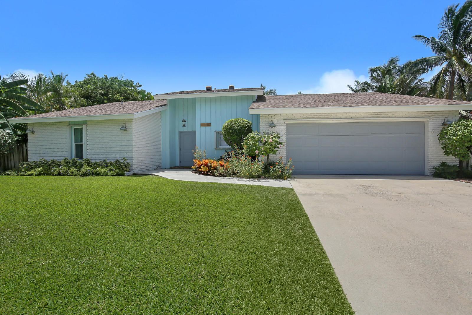 27 Harbour Drive, Ocean Ridge, Florida 33435, 2 Bedrooms Bedrooms, ,2 BathroomsBathrooms,Single Family,For Sale,Harbour,RX-10455457