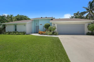 27 Harbour Drive S, Ocean Ridge, FL 33435