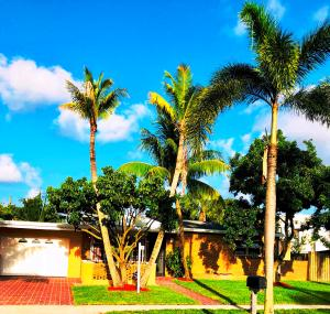 120 Cayman Drive